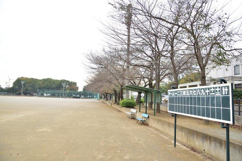 三芳町には「三芳町総合運動場」など公共施設が多い