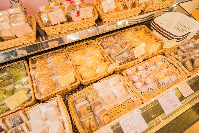 豊富な品揃えの焼き菓子