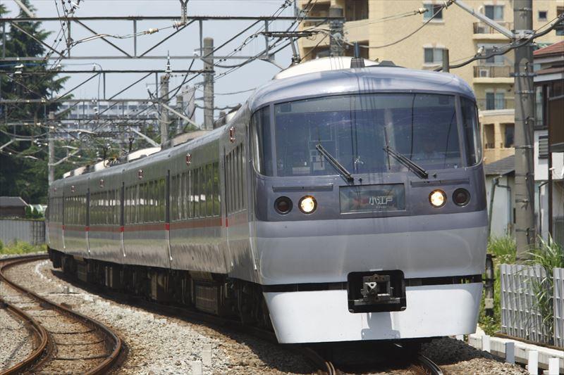 「特急レッドアロー号」(提供:西武鉄道)