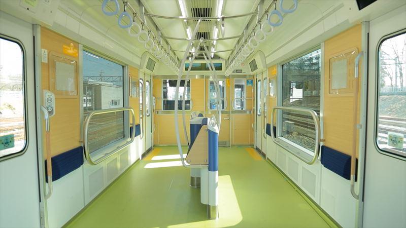 「S-TRAIN」10号車のパートナーゾーン(提供:西武鉄道)