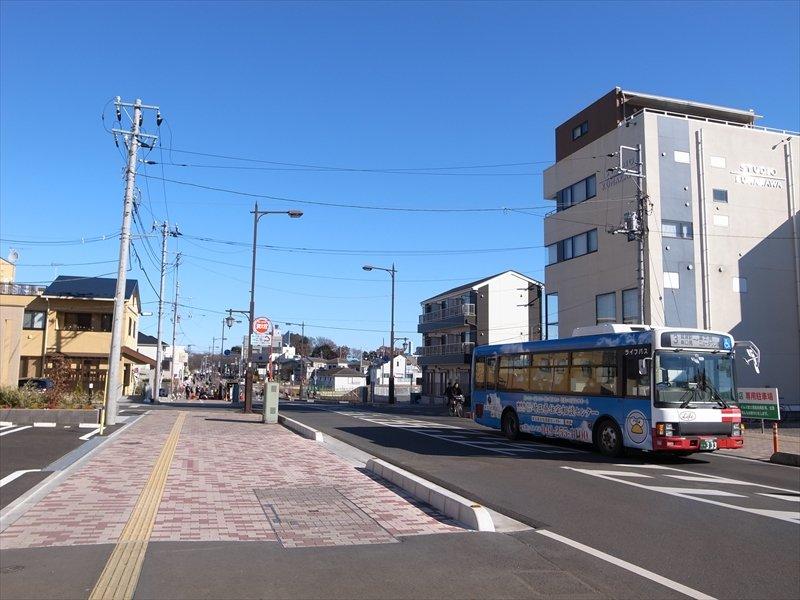 「鶴瀬」駅東口