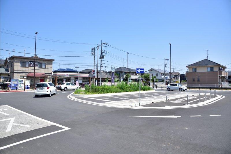 「新河岸」駅東口の駅前広場