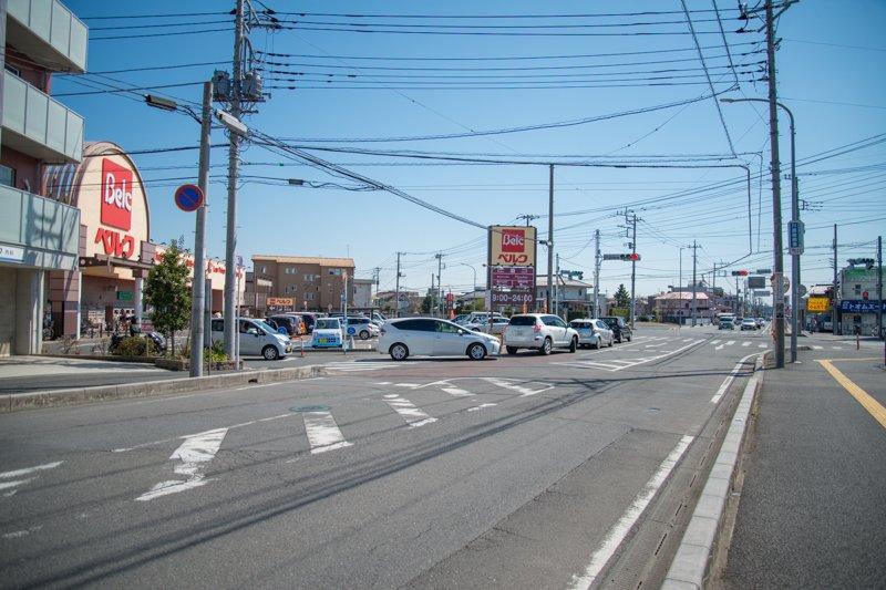 ベルク前付近の道路
