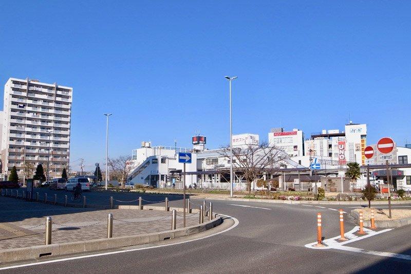 「上福岡」駅西口の整備されたロータリー