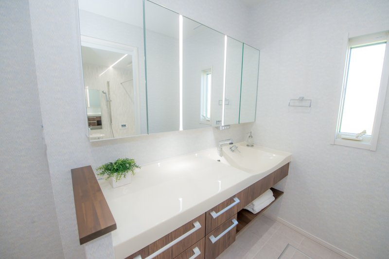 お手入れ簡単な洗面化粧台(パナソニックラシス)
