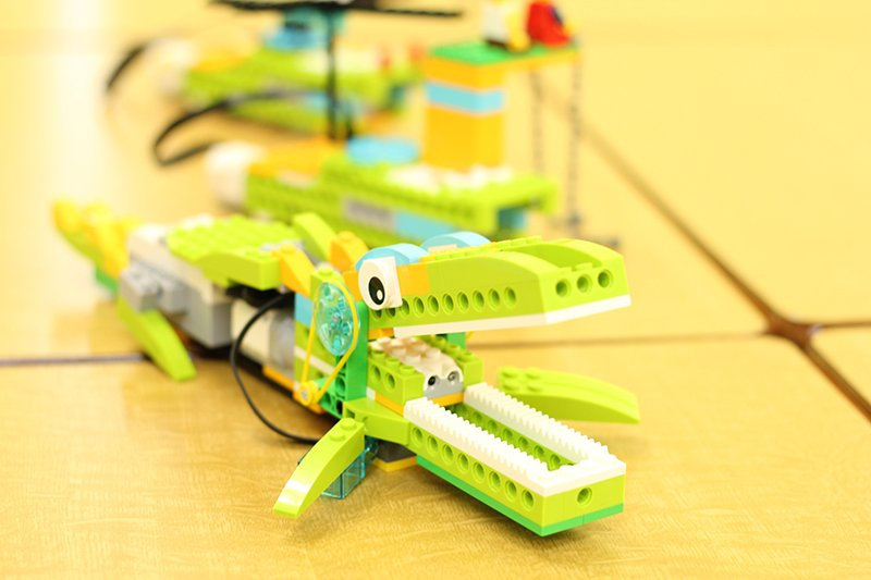 LEGO®を使いながら楽しくプログラミングを学ぶことができる