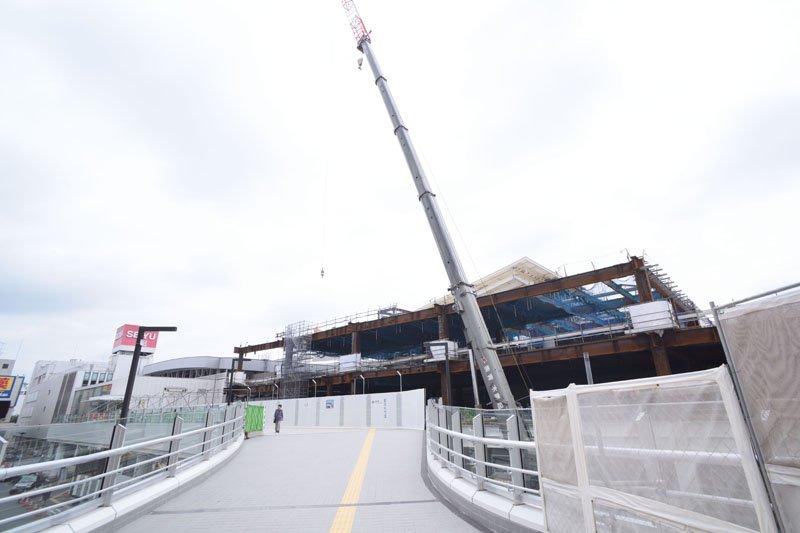 Ⅱ期開業に向けて工事が進められている「所沢」駅西口側からの様子